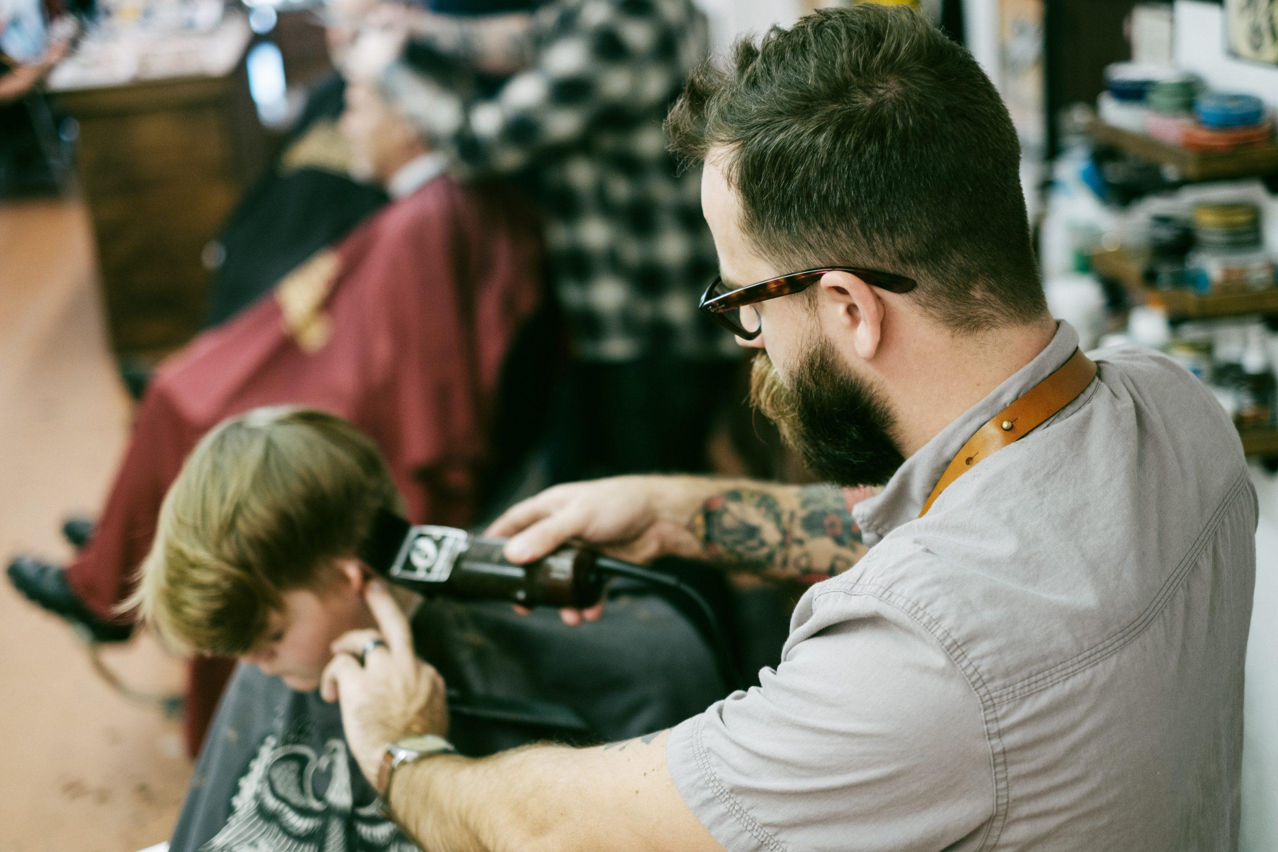Addetto parrucchiere unisex